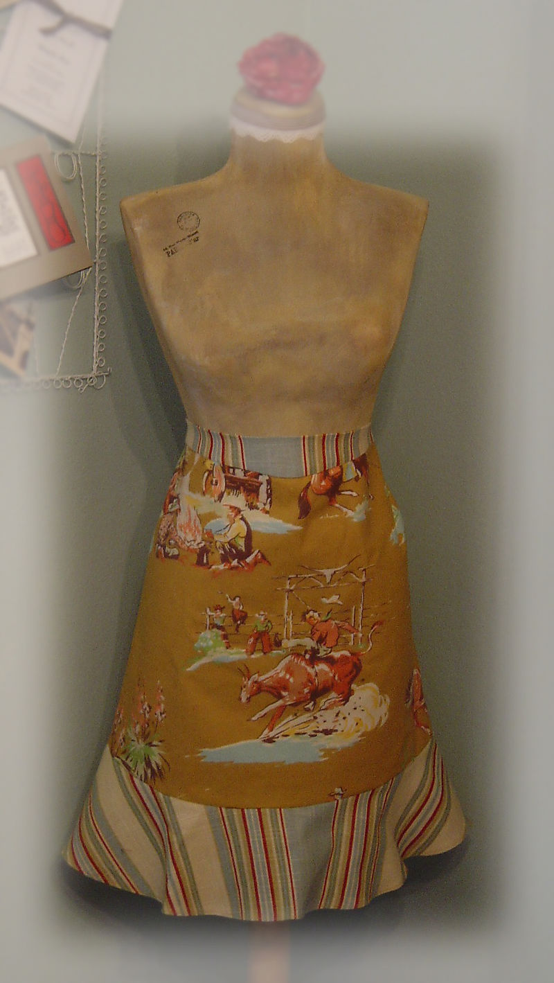 A half cowgirl apron 006