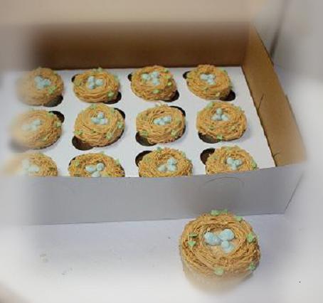 Birdie egg cupcakes to go