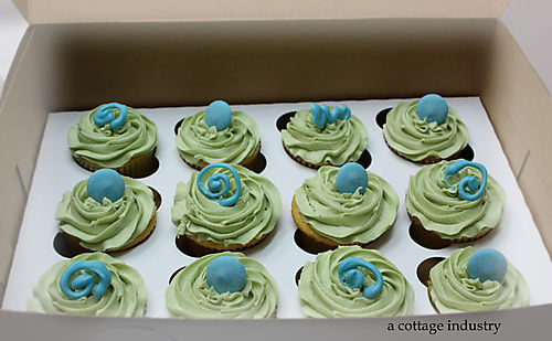 Green and blue cuppycakes 001
