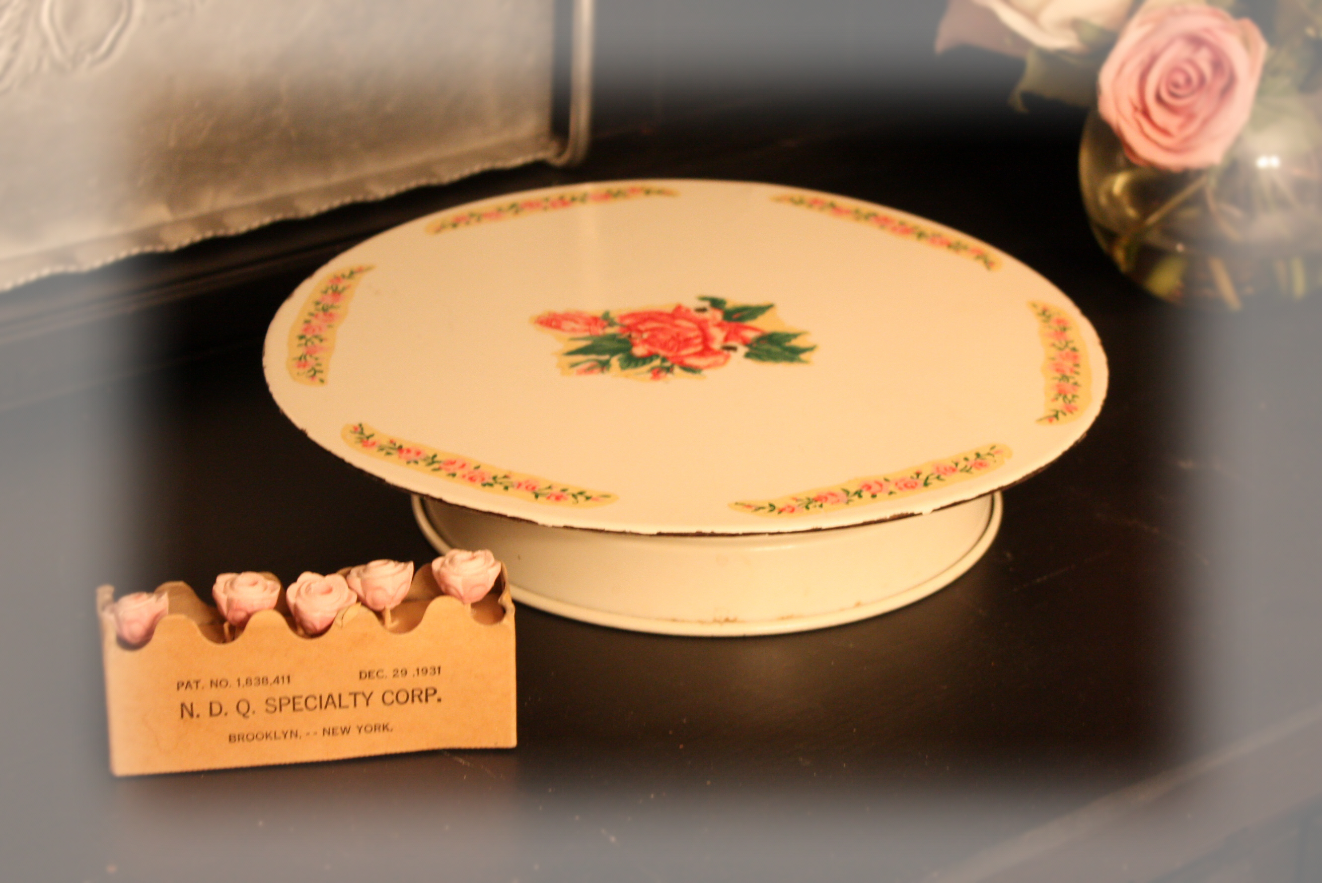 Vintage cake plate & Notes from A Cottage Industry: Vintage cake plate