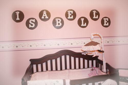 A pretty pink room.jpg1