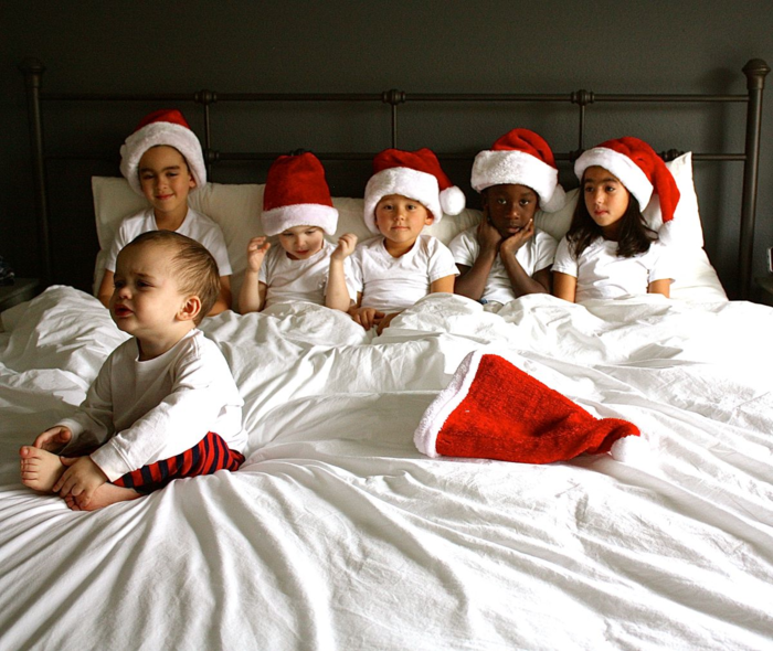 Christmas monkeys in the bed 2015
