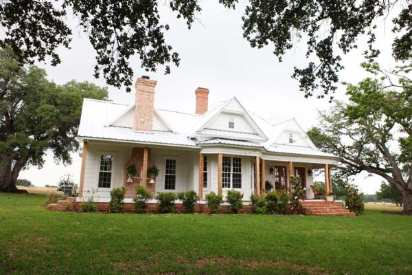 New-farmhouse-back