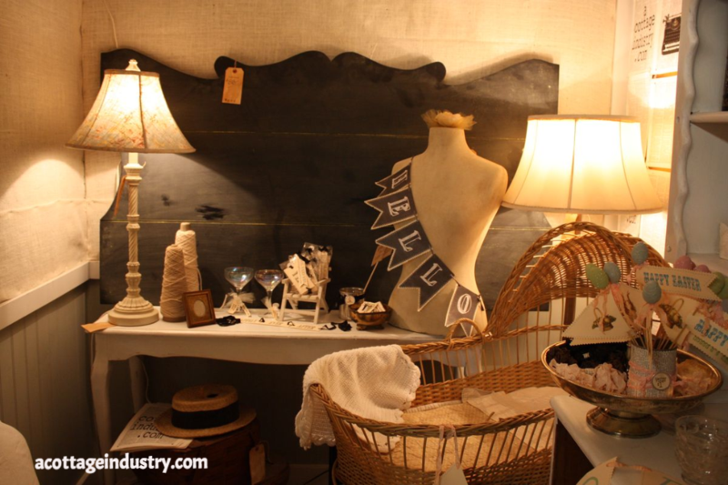 vintage booth, junk, bliss, camas antiques