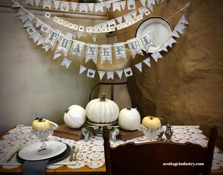 elegant rustic thanksgiving table