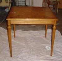 A_table_002