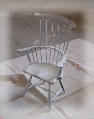 A_little_chair_before_2