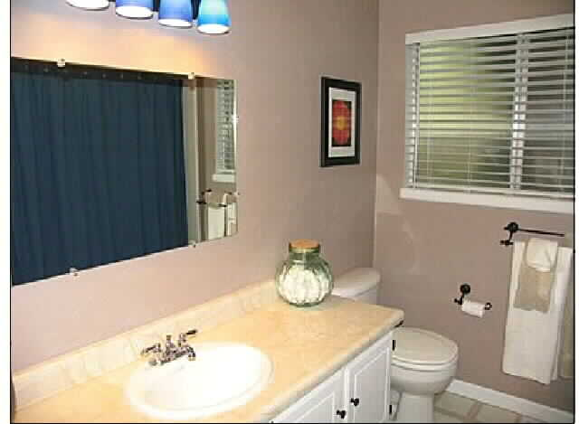 Front_bathrom_2