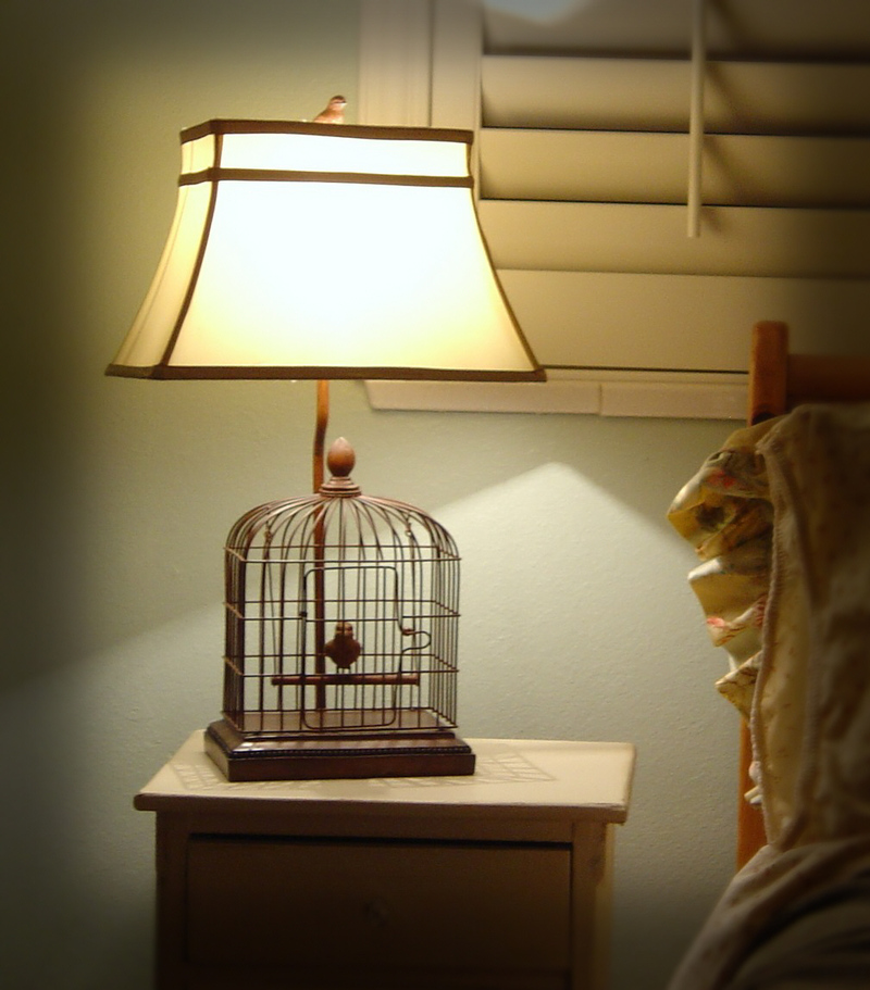 A_bedroom_lamp