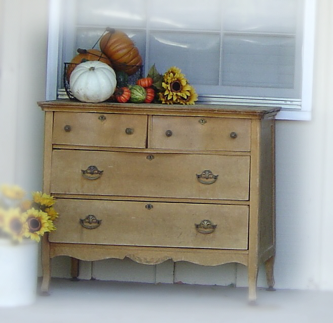 Outside_fall_porch_before_painti_11