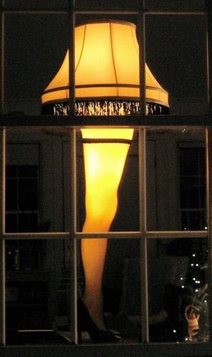 Full_size_leg_lamp15