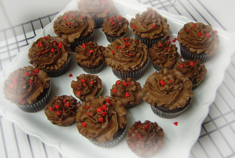 Chocolate_cupcakes_003