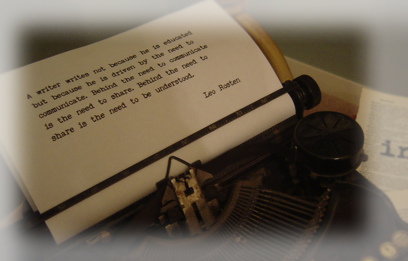 A_typewriter_for_the_writer_2