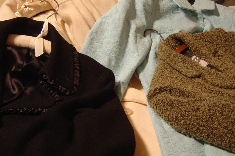 Coats_and_fabric_018