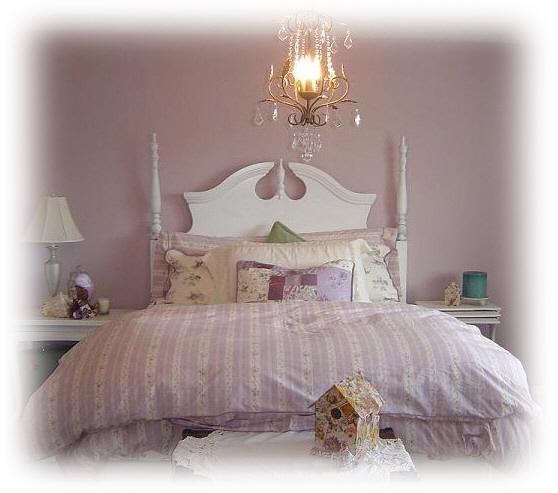 Shabby_bedroom_in_portland_1